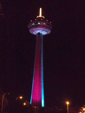 Best Western Fallsview: You are this close to the Skylon Tower!! Best View frm there!
