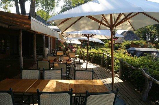 MalaMala Sable Camp : Outdoor Dining