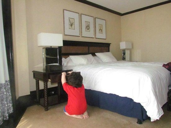 Midas Hotel and Casino: Snooping around. =P