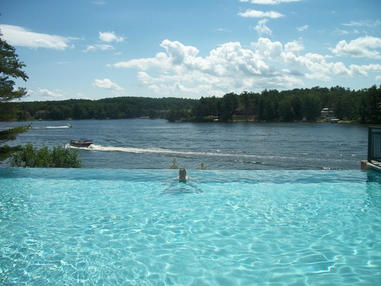 Wilderness on the Lake: Infinity pool
