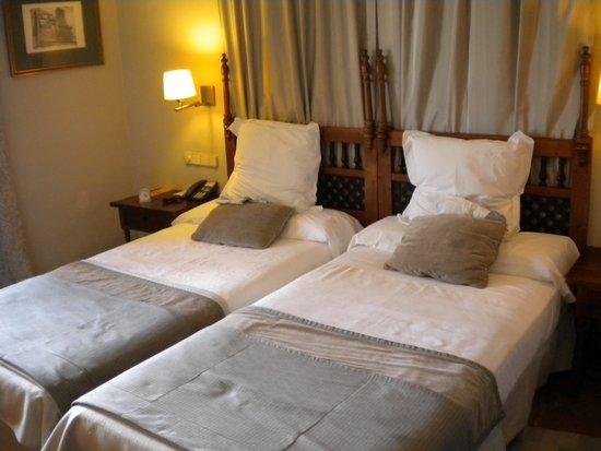 Parador de Carmona: Comfortable beds