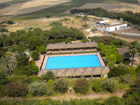 Parador de Carmona: Swimming pool