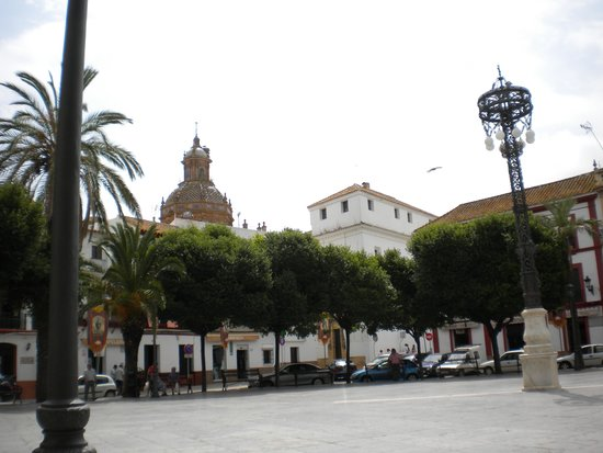 Parador de Carmona: Enjoy a tapas luch in the square