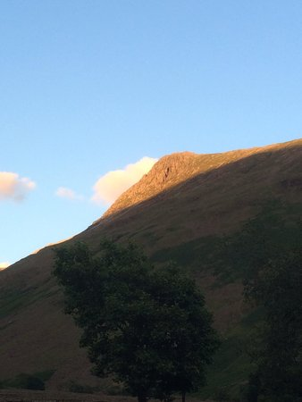 Restaurant at Wasdale Head Inn: Evening view from pub