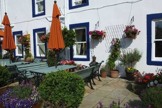 Beadnell Towers: outdoor seating