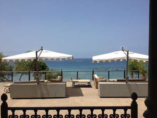 Iberostar Grand Hotel Salome: View of the sea from the hotel grounds