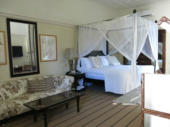 The Victoria Falls Hotel: Room Interior