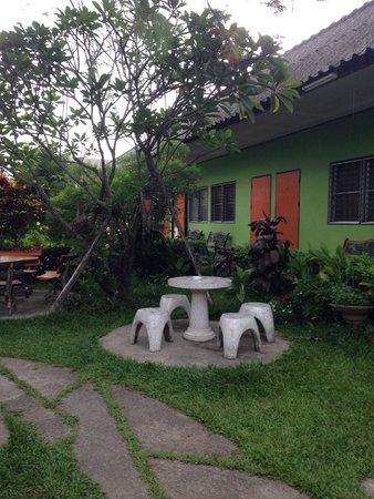Baan Bua Guesthouse : Great garden!