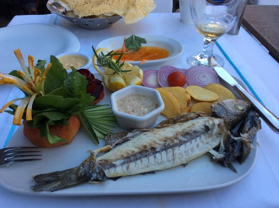 Albura Kathisma Cafe & Restaurant : Levrek (sea bass)