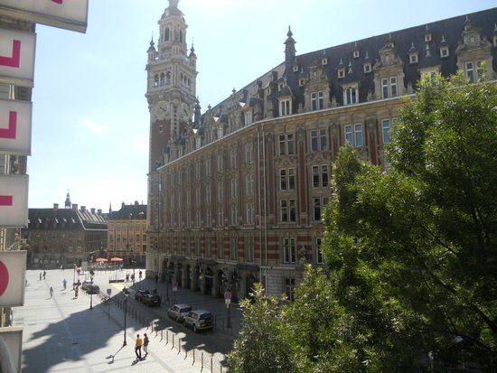 Mercure Lille Centre Grand Place: Room 103 tucked behind the Opera - fab location