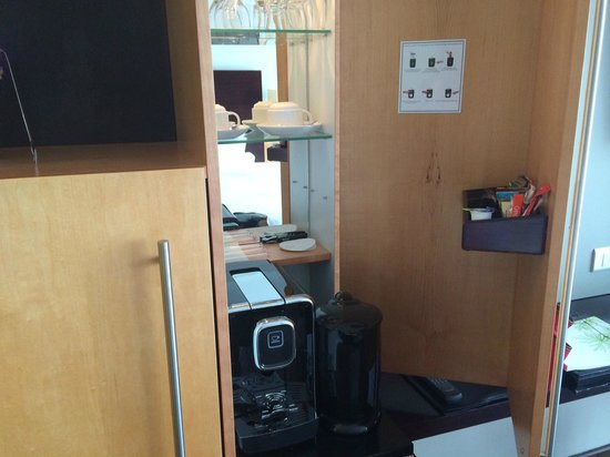The Westin Cape Town: Coffee machine and kettle in the room