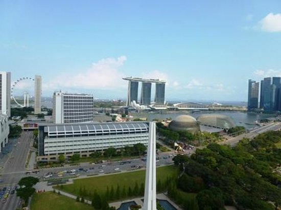 Fairmont Singapore: ラナイからの眺め(昼)