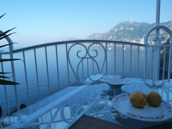 Hotel Smeraldo: terrasse restaurant et petit déjeuner