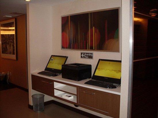Residence Inn New York Manhattan / Midtown East: Printer for Boarding pass