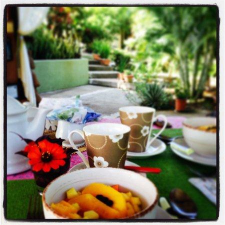 Casa Buenavista: Wonderful breakfast made by Cinzia