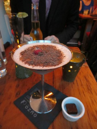 Ayza Wine & Chocolate Bar: Raspberry chocolate martini