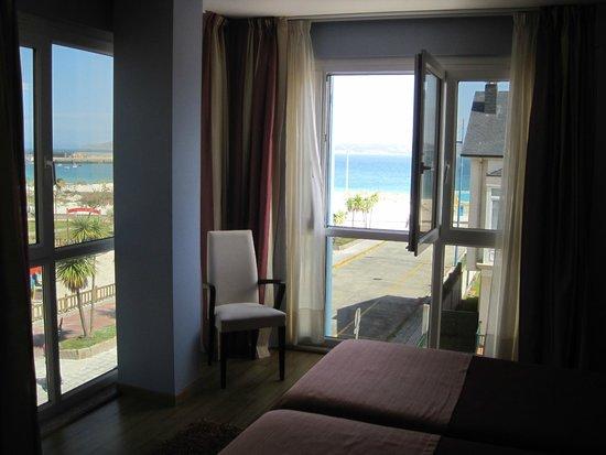 Hotel Playa de Laxe: Habitación.-