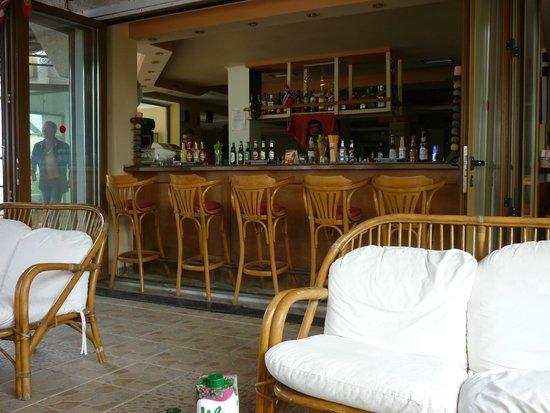 O bar do louvre Hotel