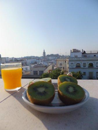 Hotel Becquer: joilie vue sur la cathédrale au petit déjeuner