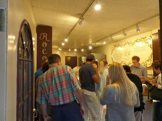 Rococo Artisan Ice Cream: Inside view