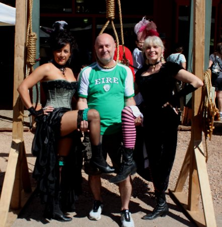 Tombstone Courthouse State Historic Park : hanging day!