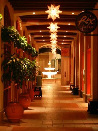 Disney's Coronado Springs Resort: Lights Along Entrance