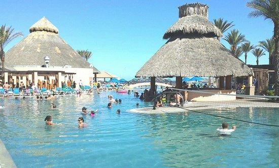 Royal Solaris Los Cabos : Main Pool and Pool Bar
