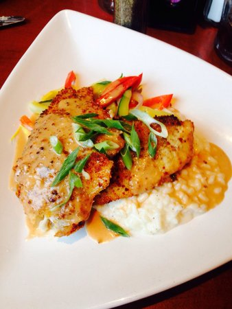 Cosmo's Restaurant & Bar: Catfish with Parmesan risotto