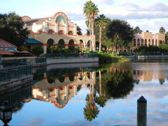 Disney's Coronado Springs Resort: Reflections