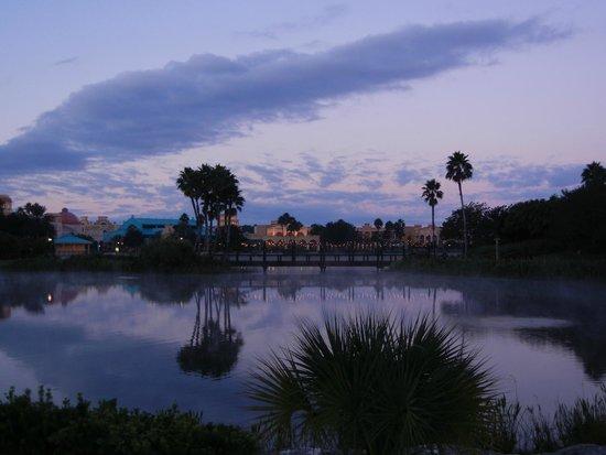 Disney's Coronado Springs Resort : Coronado at Dawn