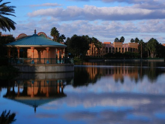 Disney's Coronado Springs Resort: Early Morning Reflection