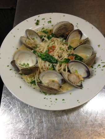The Whale Raw Bar & Fish House: Clams Linguini