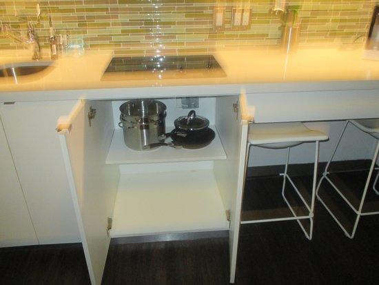 Element Miami International Airport: Kitchen