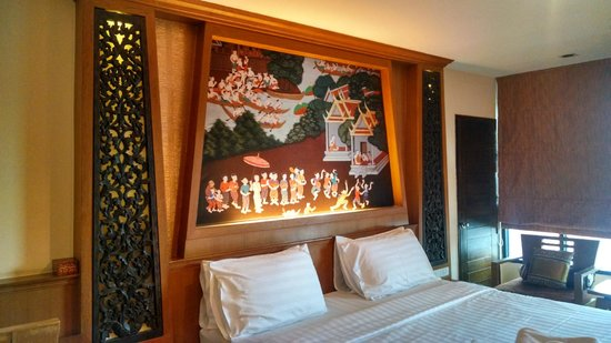 Chalelarn Hotel Hua Hin : Picture over the bed, with nice lighting