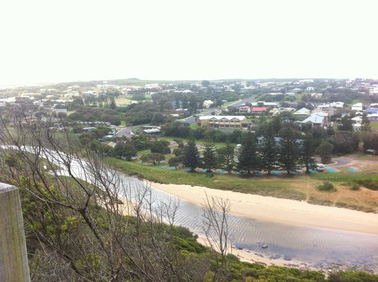 Port Campbell Holiday Park: Viewpoint above campsite