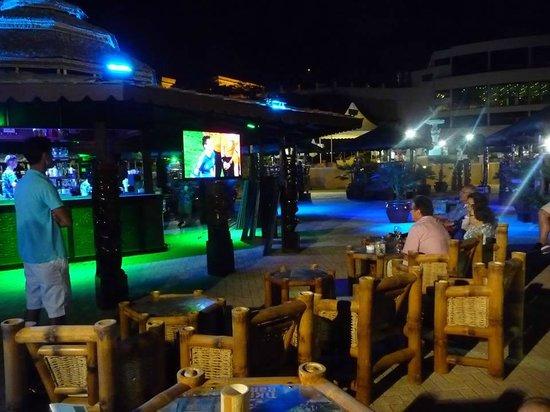 Excelsior Grand Hotel: Le Bar de la piscine, le soir de la final de la coupe du monde 2014