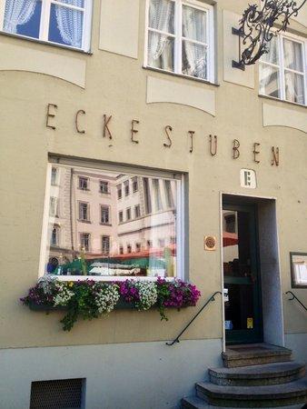 """L'ingresso del ristorante """"Die Ecke"""" (""""L'angolo"""")"""