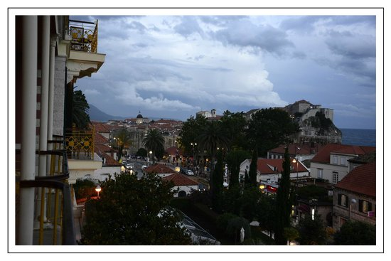 Hilton Imperial Dubrovnik: View from rm 125 down to Pile Gate