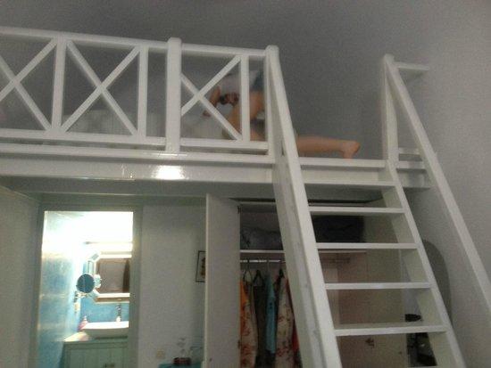 Alexander Villas: Bedroom upstairs , very chic (standard room)