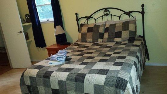 Springwood Cabins : Master bedroom
