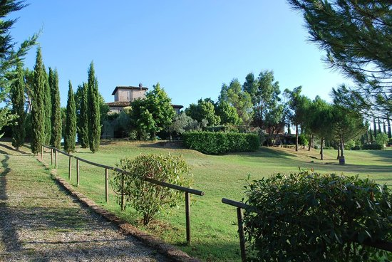 Il Grande Prato: Extensive grounds
