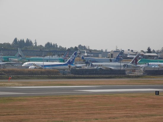 Future of Flight Aviation Center & Boeing Tour: Brand new Boeing aircraft can be seen from the observation deck