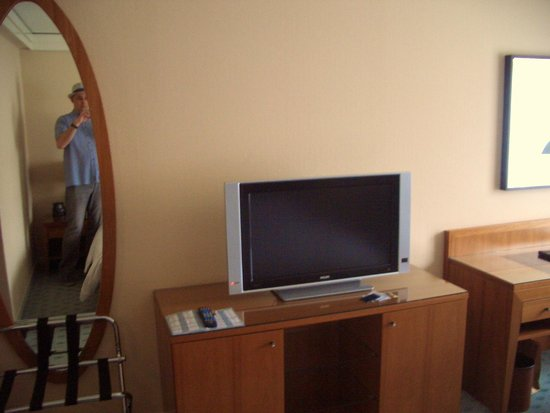 Hilton Dresden Hotel : TV