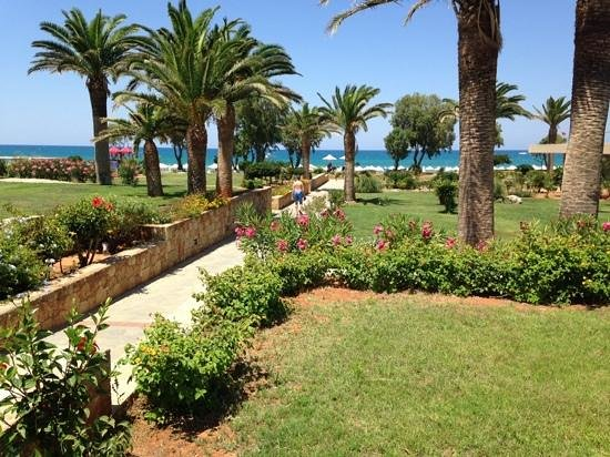 Kernos Beach Hotel : Aussicht Sitzplatz