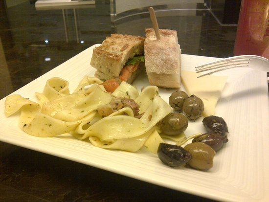 Hotel Bonaventure Montreal : Food at the lounge