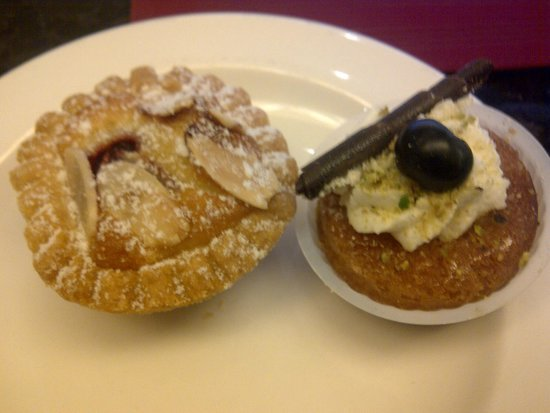 Hotel Bonaventure Montreal : Dessert at the Executive Lounge