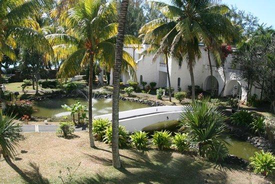 Casuarina Resort & Spa: chambre donnant sur bassins