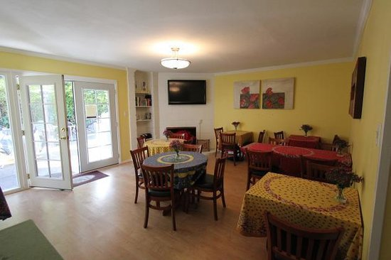 San Anselmo Inn : Our Breakfast area