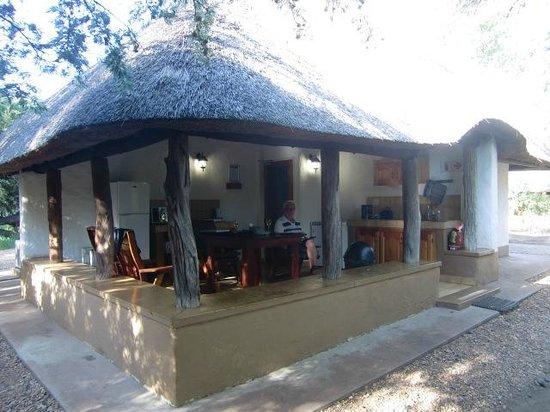 Bateleur Bushveld Camp: Huisje nr. 6, Tiptoe (maart 2014)