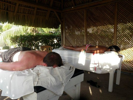 Doubletree Resort by Hilton, Central Pacific - Costa Rica: Couples massages on the beach!
